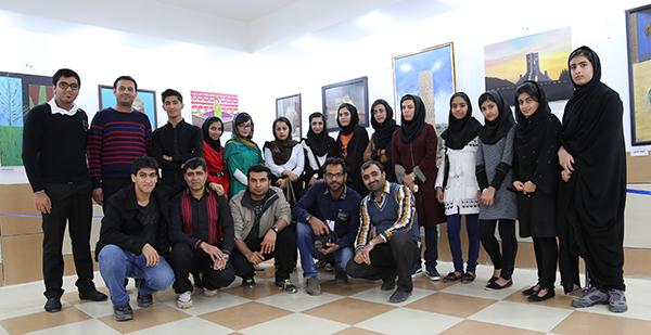 بازدید اعضای انجمن عکاسی شهرستان خنج از نمایشگاه نقاشی انجمن هنرهای تجسمی