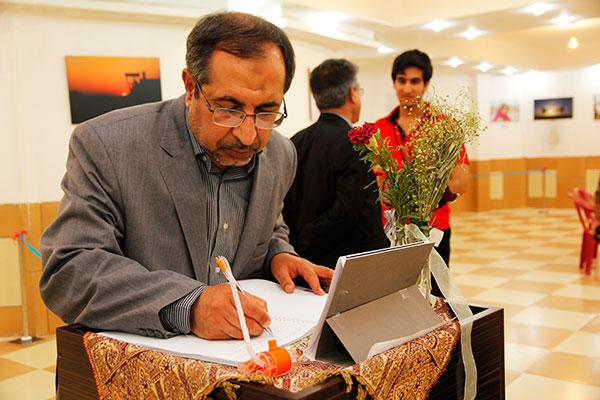بازدید دکتر جمشید جعفرپور نماینده محترم مردم لار، خنج و گراش در مجلس شورای اسلامی از نمایشگاه عکس خنج