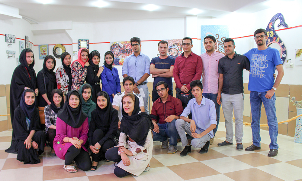 بازدید اعضای انجمن از نمایشگاه نقاشی کلاژ و نقاشی با سرامیک