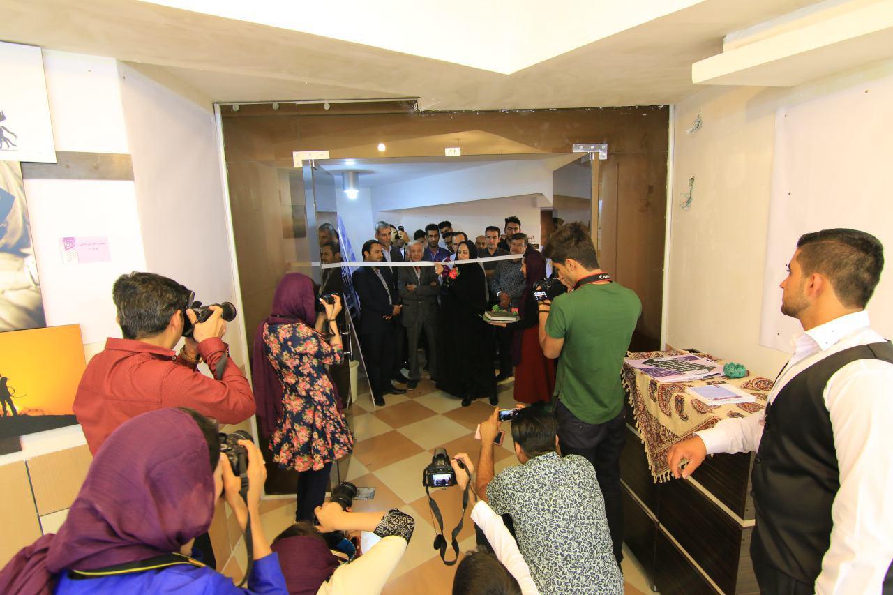 سومین نمایشگاه گروهی عکس انجمن عکاسی شهرستان خنج گشایش یافت